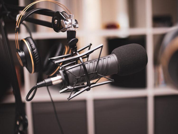 microphone and headphones